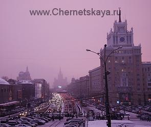 Погодные аномалии-Розовый снег в Москве